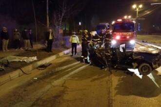 Grav accident in Iasi. O tanara de 26 de ani a murit dupa ce autoturismul Tico in care se afla a fost lovit de un TIR. FOTO