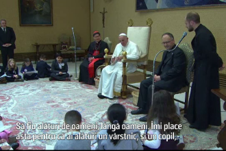 Papa Francisc a raspuns la intrebarile a 14 copii care l-au vizitat. Care a fost cea mai grea intrebare pe care a primit-o