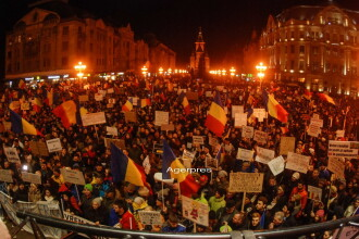 Peste 330.000 de romani au iesit in strada in toata tara. Spun ca NU renunta la proteste pana cand Guvernul nu-si da demisia