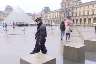 Alerta de securitate in Franta, in ziua alegerilor prezidentiale. Esplanada din fata Muzeului Luvru, evacuata. VIDEO
