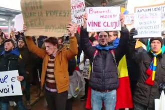 Studenti din toata tara au venit gratuit la Bucuresti cu trenurile, ca sa participe la protestul din Piata Victoriei
