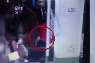 Barbat din Craiova filmat in timp ce fura un mobil din buzunarul unei persoane. Hotul, arestat preventiv