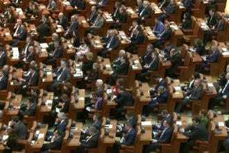 Motiunea de cenzura pentru demiterea Guvernului Grindeanu a fost respinsa. Parlamentarii PSD, ALDE si UDMR nu au votat