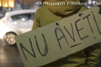 Ziua a 10-a de proteste. 5000 de oameni au iesit in Piata Victoriei. Mesajul unui italian stabilit in Romania: