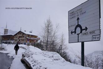Tragedie pe o partie de schi neamenajata din Franta. Cel putin 4 oameni au fost ucisi intr-o avalansa