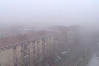 Cod galben de vant puternic si de ceata densa in mai multe judete. Lista zonelor afectate