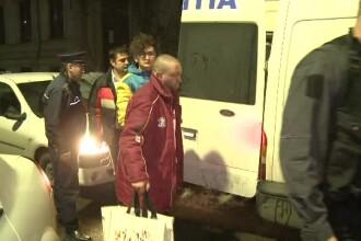 13 perchezitii, 6 persoane retinute, una arestata. Faptele de care sunt acuzati ultrasii din Piata Victoriei