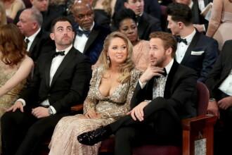 Ryan Gosling, eclipsat la Oscar 2017 de decolteul ametitor al partenerei sale. Cine e femeia care i-a stat la brat
