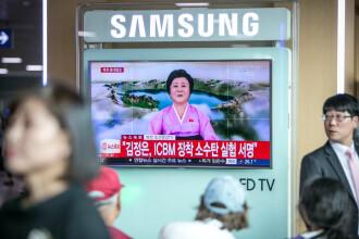 Ce au descoperit doi jurnaliști după ce s-au uitat o săptămână la televiziunea de propagandă din Coreea de Nord