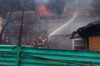 Incendiu la două case din Sectorul 5 al Capitalei. Posibilitate de propagare a flăcărilor