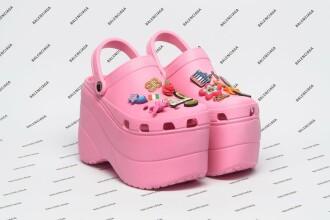 Saboții model Crocs, vânduți de Balenciaga la un preț de lux. Brandul a fost ridiculizat