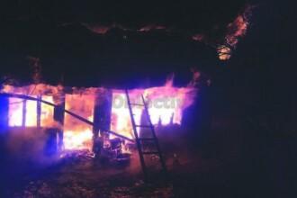 Un bărbat din Suceava a murit după ce și-a dat foc la casă pentru că soția nu i-a dat de băut