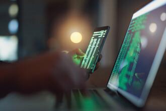 Londra acuză serviciul rus de informaţii militare că desfăşoară atacuri cibernetice în toată lumea