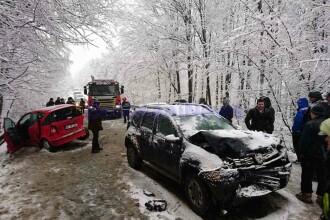 Trei mașini implicate într-un accident, în Brăiești: 3 persoane au fost rănite