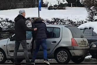 Tânăr din Botoșani reținut de polițiști, după ce a agresat în trafic un bărbat