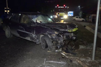 Accident între o mașină și o căruță, în Argeș. Un mort și șase răniți