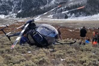 Elicopter prăbușit din cauza unui elan. Două persoane au fost rănite