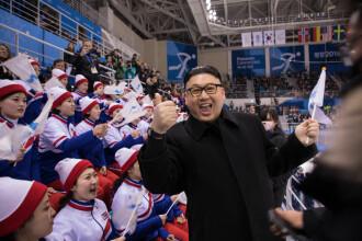 Reacția majoretelor nord-coreene când se trezesc cu sosia lui Kim Jong-un lângă ele. VIDEO