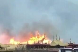 Cel mai important centru al budismului tibetan a fost cuprins de flăcări. Pagubele suferite