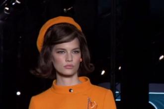 Ținute inspirate din stilul lui Jackie Kennedy, prezentate la Săptămâna Modei de la Milano