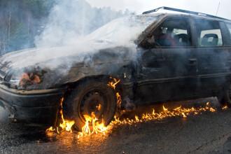 Cămătarii i-au răpit copilul unui român din Italia, l-au bătut şi i-au incendiat maşina