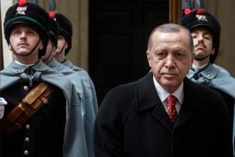 Erdogan: Fraţii mei, care aveți euro sau dolari sub pernă să-i investiți în lire turcești