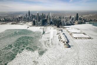 Fenomenul bizar care a pus stăpânire pe Chicago. Locuitorii au fost treziţi în miez de noapte