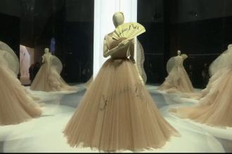 Casa Dior a expus cele mai reprezentative creaţii din îndelungata ei istorie