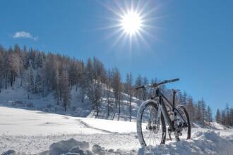 Temperaturi modeste joi în toată țara. Prognoza meteo până duminică