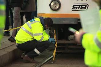 O femeie de 70 de ani a fost lovită de tramvai, în Bucureşti