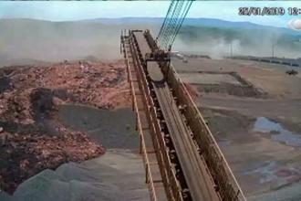 Momentul prăbușirii barajului minier în Brazilia, filmat. Un perete de noroi a înghițit tot