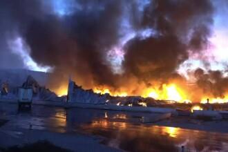Incendiul înfiorător din Alba Iulia nu a fost lichidat nici după 15 ore