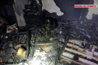 Incendiu puternic într-un bloc Focșani. 12 persoane au fost evacuate