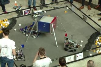 Zeci de liceeni din Suceava și Iași s-au întrecut în cadrul unei competiții de robotică