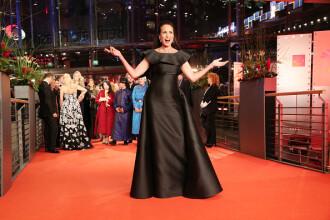 Andie MacDowell, la 60 de ani, apariție răvăşitoare la Festivalul de film de la Berlin