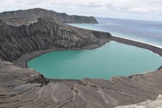 """Insula din Pacific care s-a """"născut"""" acum 4 ani. Ce a găsit NASA acolo"""
