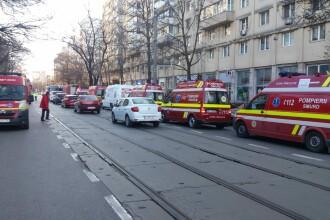 Incendiu în liftul unui bloc din București. 4 persoane au ajuns la spital