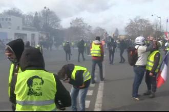 """Violenţe între """"vestele galbene"""" şi forţele de ordine la Paris, în al 18-lea weekend"""