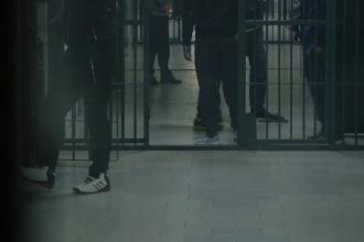 Un tânăr deţinut din Penitenciarul Oradea s-a spânzurat. Pentru ce fusese condamnat