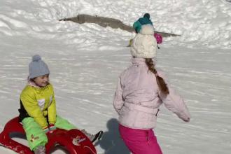O mamă a cheltuit 1.000 de euro pe vacanţa de 4 zile la munte. Copil: