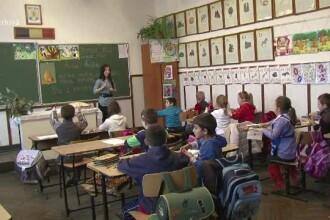 """Campanie pentru stoparea """"atențiilor ilegale"""" din școli. Adevărul din spatele fondurilor"""