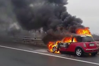Accident rutier pe Autostrada București-Ploiești. O mașină a luat foc