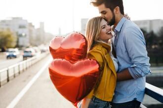 Mesaj cumplit ascuns într-o poezie de Valentine's Day. Trebuie citită invers