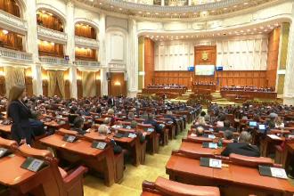 Majorarea alocațiilor votată în lipsa unor aleși PSD. Coaliția ar dori reluarea votului