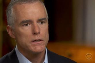 Un fost director FBI recunoaște că în 2017 a fost luată în calcul demiterea lui Trump