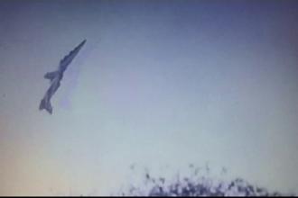 Momentul în care două avioane se ciocnesc în zbor, la un show aerian. VIDEO
