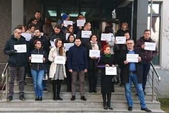 Procurorii din Brașov au ieșit să protesteze față de OUG dată de Tudorel Toader
