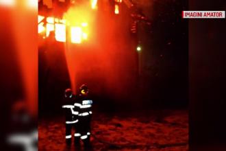 Pensiune din Brașov, cuprinsă de flăcări. De ce a fost intervenția pompierilor îngreunată
