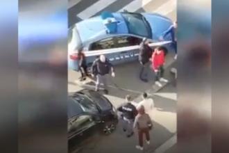 Poliţişti italieni, atacaţi de interlopi când voiau să aresteze 2 români. VIDEO