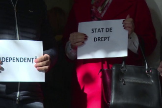 Parchete din țară anunță că își suspendă activitatea în semn de protest